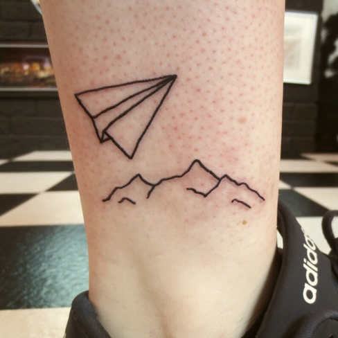 Tattoo, Best Tattoo, Colchester, Essex, Tattoo art, Tattoo Artist, Tattoos, Tattoo design, Top Tattoo, reds tattoo, anna kowacka, essex tattoo, colchester, tattoo ideas, linework, linework tattoo, outline, outline tattoo, paper plane, paper plane tattoo, mountains