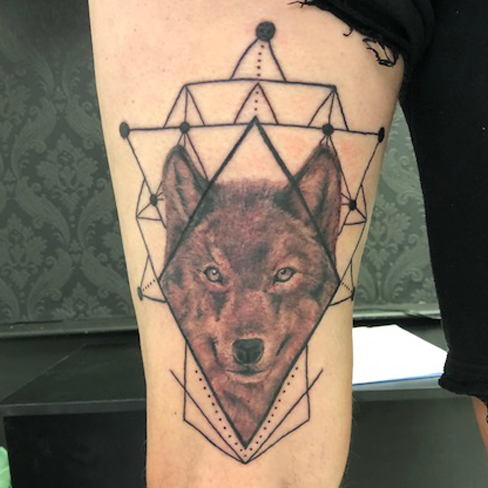 Tattoo, Best Tattoo, Colchester, Essex, Tattoo art, Tattoo Artist, Tattoos, Tattoo design, Top Tattoo, Black & grey Tattoo, reds tattoo, sonya trusty, essex tattoo, colchester, realism tattoo, wolf, wolf tattoo, geometric, geometric tattoo, thigh tattoo, thigh piece