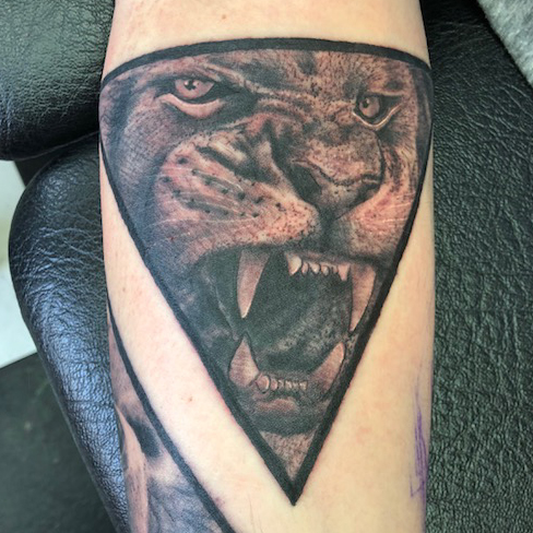 Tattoo, Best Tattoo, Colchester, Essex, Tattoo art, Tattoo Artist, Tattoos, Tattoo design, Top Tattoo, Black & grey Tattoo, reds tattoo, sonya trusty, essex tattoo, colchester, realism tattoo, lion, lion tattoo, geometric tattoo, geometric