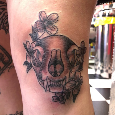 Tattoo, Best Tattoo, Colchester, Essex, Tattoo art, Tattoo Artist, Tattoos, Tattoo design, Top Tattoo, Black & grey Tattoo, reds tattoo, sonya trusty, essex tattoo, colchester, realism tattoo, tattoo ideas, skull, cat skull, skull tattoo, flowers, floral, flower tattoo, knee, knee tattoo