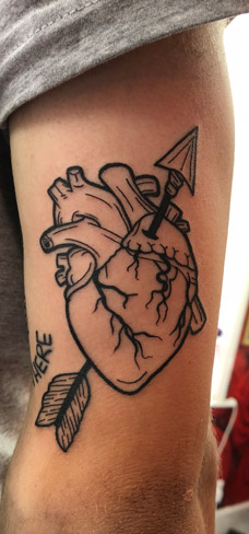 Tattoo, Best Tattoo, Colchester, Essex, Tattoo art, Tattoo Artist, Tattoos, Tattoo design, Top Tattoo, reds tattoo, anna kowacka, essex tattoo, colchester, tattoo ideas, linework, linework tattoo, outline, outline tattoo, heart, heart tattoo, anatomic heart, arrow, arrow tattoo