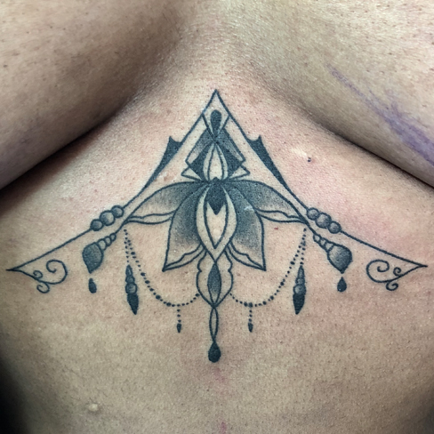 Tattoo, Best Tattoo, Colchester, Essex, Tattoo art, Tattoo Artist, Tattoos, Tattoo design, Top Tattoo, reds tattoo, anna kowacka, essex tattoo, colchester, tattoo ideas, geometric, geometric tattoo, mandala, mandala tattoo, pattern tattoo, under boob, under boob tattoo, sternum