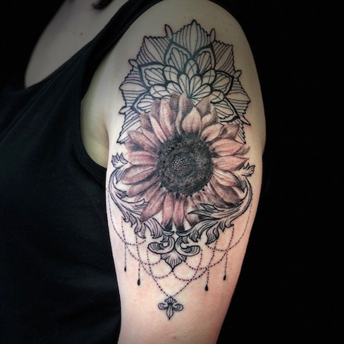 Tattoo, Best Tattoo, Colchester, Essex, Tattoo art, Tattoo Artist, Tattoos, Tattoo design, Top Tattoo, Black & grey Tattoo, reds tattoo, sonya trusty, essex tattoo, colchester, mandala, mandala tattoo, sunflower, realism, realism tattoo, girly, feminine tattoo