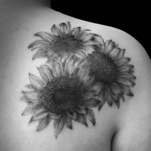 Tattoo, Best Tattoo, Colchester, Essex, Tattoo art, Tattoo Artist, Tattoos, Tattoo design, Top Tattoo, Black & grey Tattoo, reds tattoo, sonya trusty, essex tattoo, colchester, realism tattoo, sunflower tattoo, sunflower, girl tattoo, feminine, floral