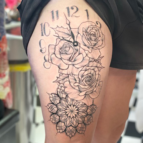 Tattoo, Best Tattoo, Colchester, Essex, Tattoo art, b&g, black white tattoo,Tattoo Artist, Tattoos, Tattoo design, Top Tattoo, Black & grey Tattoo, reds tattoo, sonya trusty, essex tattoo, Colchester, tattoo, blackwork tattoo, mandala, clock tattoo, thigh tattoo