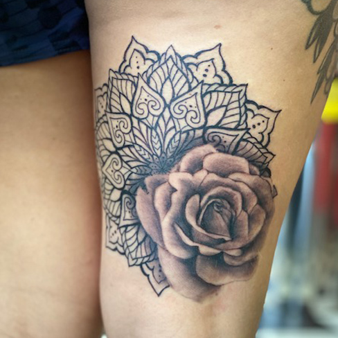 Tattoo, Best Tattoo, Colchester, Essex, Tattoo art, b&g, black white tattoo,Tattoo Artist, Tattoos, Tattoo design, Top Tattoo, Black & grey Tattoo, reds tattoo, sonya trusty, essex tattoo, Colchester, rose tattoo, mandala, thigh tattoo